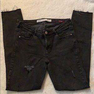 Zara trafaluc skinny black distressed raw cut jean